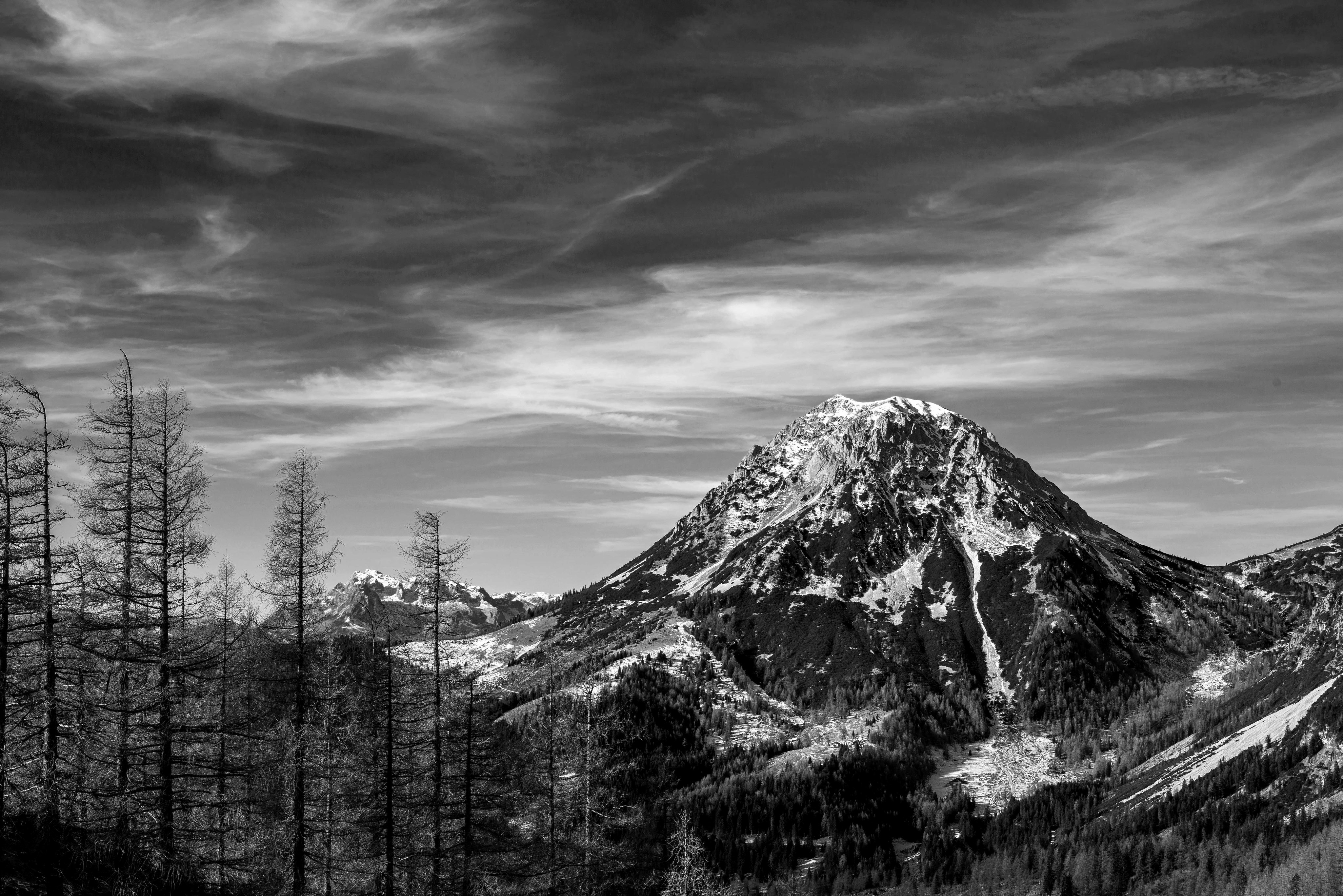 Black and White Paintings Beautiful Mountains Black and White Paintings and Graphy